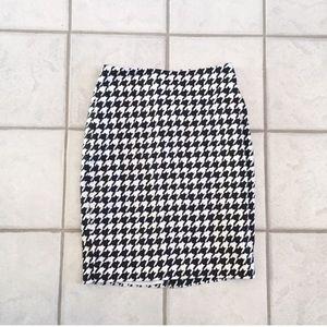 ❣️BOGO❣️ The Limited houndstooth pencil skirt 2